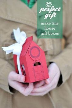 Looks massively labor intensive, but cute for client gifts. House Gift Box Free Printable via Design Mom. Homemade Gifts, Diy Gifts, Little Presents, House Gifts, Diy Projects To Try, Christmas Inspiration, Gift Packaging, Gift Bags, Christmas Crafts