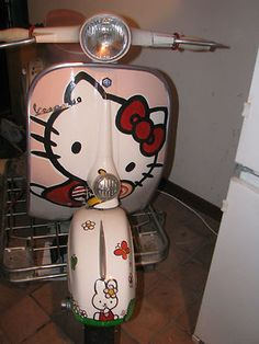 Hello Kitty vespa 50 in USA