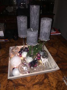 Adventskranz mit Weingläsern