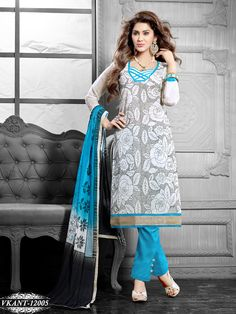 40c10ec557 Bollywood Dress, Bollywood Fashion, Trendy Collection, Saree Collection,  Diwali Dhamaka, Indian