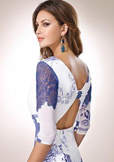 ZEILA COCKTAIL 9267  Vestido de fiesta corto en chiffón estampado y detalles de encaje, con especial escote en espalda