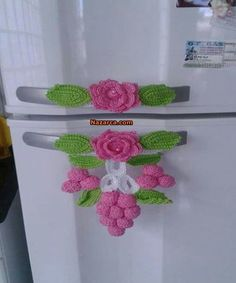 This pin was discovered by gen – Artofit Crochet Motifs, Crochet Potholders, Crochet Flower Patterns, Crochet Squares, Crochet Designs, Crochet Doilies, Crochet Flowers, Knit Crochet, Crochet Home Decor