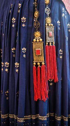 copper color latkan with red thread tassel Indian Attire, Indian Wear, Indian Dresses, Indian Outfits, Lehenga Choli, Anarkali, Sabyasachi, Indian Fashion, Boho Fashion