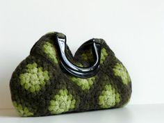 Crochet felt handbag, fall autumn, Granny Square hand bag - Wool Crochet Handbag -  Shades Green Wonderful Color  - Nr-0203 op Etsy, 116,11€