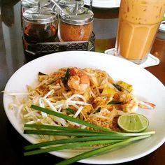 本場で食べたい!バンコクグルメ10選 Japchae, Bangkok, Chicken, Meat, Ethnic Recipes, Thailand, Food, Souvenir, Eten