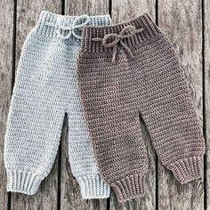 Crochet Como Fazer Roupas de Bebê de Crochê: Passo a Passos 46 Fotos Crochet Baby Pants, Crochet Clothes, Baby Knitting Patterns, Crochet Patterns, Baby Patterns, Free Crochet, Knit Crochet, Baby Kicking, Baby Cardigan