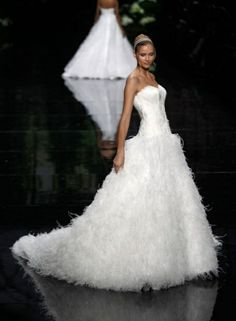 mariplopis:  couture—princess:  Elie Saab 2013