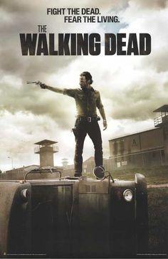 """Mi telenovela favorita es """"The Walking Dead"""" porque es muy interesante. Lo veo en el salón."""