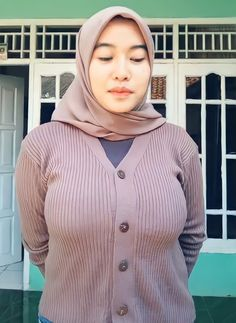Beautiful Arab Women, Beautiful Girl Indian, Beautiful Hijab, Vrod Harley, Hijab Stile, Indonesian Girls, Hijab Chic, Girl Hijab, Muslim Girls