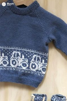 Same, Same, But Different! Frostgenser Knitting - Marecipe Same, Same, But Different! Baby Boy Knitting Patterns, Baby Sweater Patterns, Fair Isle Knitting Patterns, Knit Baby Sweaters, Knitting For Kids, Knitting Designs, Hand Knitting, Knitted Throws, Sweater Design