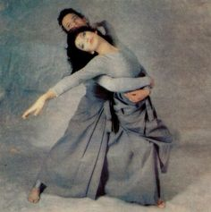 The choreography represents conflicts within relationships