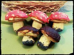 ciastka grzybki borowiki prawdziwki muchomorki slodkie grzybki grzyby na slodko ciasteczka w ksztalcie grzybkow ciastka z czekolada ciastka kruche ciastka z kremem