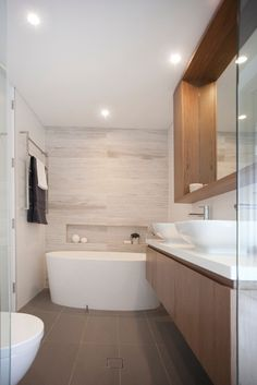 Love the wall tiles in this neutral bathroom, casual coastal feel Chic Bathrooms, Amazing Bathrooms, Interior Design Inspiration, Bathroom Inspiration, Elegant Home Decor, Laundry In Bathroom, Bathroom Renovations, Bathroom Furniture, Beach House