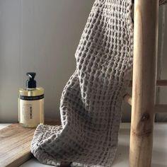 """Ren Lykke on Instagram: """"Humdakin sitt håndkle er et funksjonelt og dekorativt tilbehør til badet. Etter vask får håndkleet den mer særegne vaffeleffekten, noe som…"""" Merino Wool Blanket"""