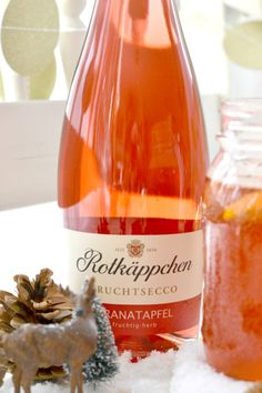 Recipe: Winter punch with Little Red Riding Hood fruit secco Rezept: Winterpunsch mit Rotkäppchen Fruchtsecco With just a few ingredients you can get a great drink for the cold seasons quickly and deliciously. Delicious and very easy. Healthy Eating Tips, Healthy Nutrition, Meat Recipes, Healthy Recipes, Drink Recipes, American Dinner, Winter Drinks, Vegetable Drinks, Few Ingredients
