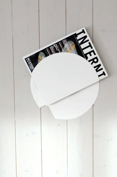 Nippon, Magazine shelf, white