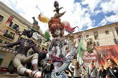 スペイン・バレンシア(Valencia)で開催中の火祭り「ファリャス(Las Fallas)」。