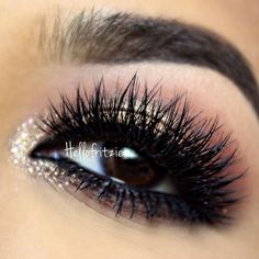 Gold glitter smokey eye makeup #eyes #eye #makeup #eyeshadow #dark #smokey #dramatic