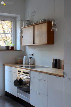 #modern #Küche #Vintage #Küchenschrank Anlässlich des Valentinstags stellt Euch @Ich liebe Deko in einem Liebesbrief an Interior-Träume die zauberhafte Wohnung von Bloggerin LablefreiME vor ➯ Auf ROOMBEEZ zeigen wir Euch alle Bilder der Homestory!