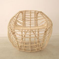 RATTAN & WICKER SERIES BY HETTLER. TÜLLMANN. contemporary forms made possible by the innate versatility of rattan, allowing for both structural strength and organic freedom. http://mocoloco.com/archives/029978.php
