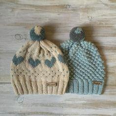 У меня в подписчиках много вязальщицДавайте знакомиться и что вы сейчас вяжете?#knit#knitted#knithat#i_loveknitting#handmade#crafting#wool#шапочка#шапкаспомпоном#love#like#beauty#yarn #etsy#вяжутнетолькобабушки#love#inspiration#moda#style#knitspiration