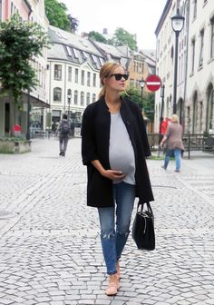 Maternity Style ~ The Momista Diaries ~ A Blog for the Modern Mom