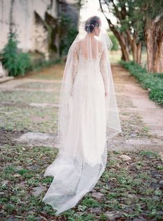 Wedding Gown: Mira Zwillinger -- Photography: Jose Villa Photography - josevillaphoto.com -- See more on #smp here: http://www.StyleMePretty.com/2014/04/09/wedding-day-inspiration-from-the-jose-villa-mexico-workshop/