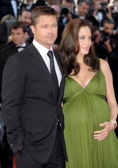 Brad Pitt poster, mousepad, t-shirt, Angelina Jolie Pregnant, Angelina Jolie Children, Brad Pitt And Angelina Jolie, Jolie Pitt, Celebrity Couples, Celebrity Style, Fashion Couple, Pregnancy Outfits, Boy Hairstyles