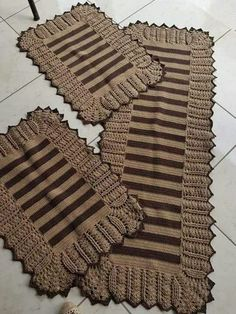 Crochet Kitchen Rug: Sets of Rugs and Walkthroughs – Newest Rug Collections Crochet Kitchen, Kitchen Rug, Crafts To Sell, Diy And Crafts, Diy Crafts Crochet, Crochet Ideas, Crochet Motif Patterns, Crochet Carpet, Crochet Doilies