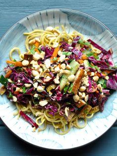 Asian Noodle Salad with Veggie Slaw and Crispy Baked Tofu #meatlessmonday #vegetarian