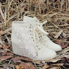 Meadow Lace Booties in Cream, Sweet Lace Boots from Spool No.72.   Spool No.72