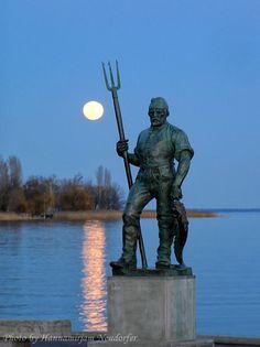 Balatonfüred Hungary History, Danube River, Moon Rise, Beautiful Moon, Medieval Castle, Central Europe, Bavaria, Childhood Memories, Statue
