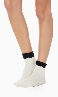 With its classic color contrast and sweet scallop design, these ankle socks deserve to be seen.