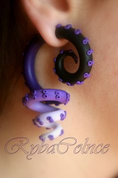 Fake ear tentacle gauge Faux gauge/Gauge by RybaColnce on Etsy they remind me of Ursula! Crea Fimo, Fimo Clay, Polymer Clay Charms, Polymer Clay Projects, Polymer Clay Creations, Polymer Clay Art, Polymer Clay Earrings, Clay Crafts, Fake Piercing
