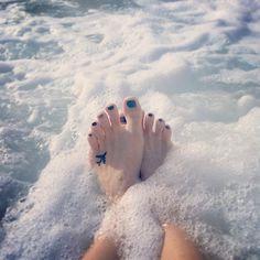 tiny-foot-tattoo-ideas-40-57502e380afa1__605