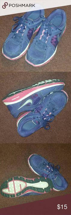 Nike Dual fushion sneakers Purple Nike Dual Fusion size 9 tennis shoes. Nike Shoes Athletic Shoes