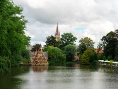This Bruges 1 day itinerary covers the city's highlights and still leaves time for an afternoon beer break. Plan a Bruges day trip with this detailed guide. Amsterdam Travel, Paris Travel, Belgium Bruges, Old Windmills, Church Of Our Lady, Weekend Breaks, Beer Garden, Walking Tour, Public Transport