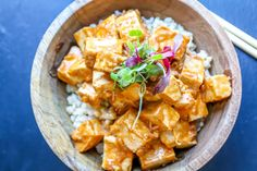Tofu with Spicy Peanut Sauce - This simple and delicious tofu recipe will please the whole family. Combine all the ingredients in one pan, and voilà! Tofu in a rich and spicy peanut butter sauce! Whether you plan on going vegan or just want to reduce your meat consumption, this tasty spicy tofu recipe will make your life so much easier! If you like this recipe, you will definitely enjoy General Tso's Tofu !