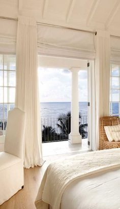 I would love every morning to wake up to this view and every evening to sleep in this room with the sound of the sea lulling me to sleep!!
