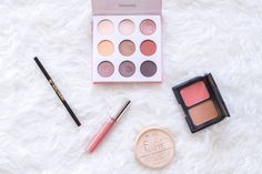 - PRIMETIME CHAOS - Time for my favourite products! I am showing you my most used beauty items of February! Amongst them are my fave liquid lipstick, eyeshadows and powder. Focus Foods, Eyeshadows, Liquid Lipstick, Lifestyle Blog, February, Powder, Blush, My Favorite Things, Makeup
