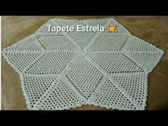 Tapete Estrela para iniciante muito fácil de fazer - YouTube Crochet Designs, Floor Mats, Make It Yourself, Blanket, Rugs, Crochet Carpet, Round Shag Rug, Centerpieces, Tejidos