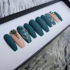 Custom, luxury press-on nails. Best Acrylic Nails, Matte Nails, Gel Nails, Dope Nails, Swag Nails, Gorgeous Nails, Pretty Nails, Laque Nail Bar, Stick On Nails