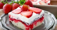 Learn how to make the BEST Strawberry Poke Cake. This poke cake is made with white cake mix, soaked with a mixture of white chocolate strawberry sauce, toppe. Strawberry Poke Cakes, Strawberry Jello, Strawberry Desserts, Poke Cake Jello, Poke Cake Recipes, Dessert Recipes, Easy Desserts, Delicious Desserts, Cake Videos