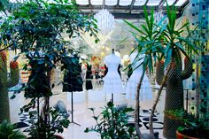 Nature & Fashion Fashion meets nature with the installation of Azzedine Alaia clothes at the center of 10 Corso Como Milano.