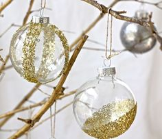 DIY for these cool glitter glass ornaments. Easy!