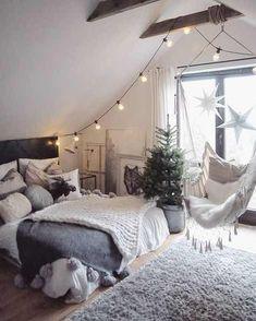 Estos cuartos o habitaciones son fantásticas para chicas adolescentes. Se recopilaron una serie de las mejores habitaciones para chicas, son increíbles!. Al ser una chica adolescente desearás reflejar tus nuevos gustos y necesidades en tu habitación. Estas ideas te servirán de inspiración.