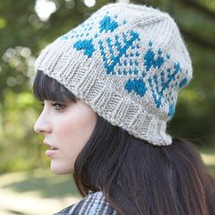 Patons Classic Wool Roving - Blue Fir Hat (free knitting pattern)