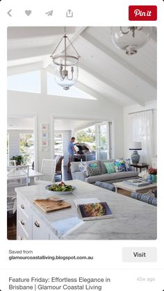 Glamour Coastal Living: Feature Friday: Effortless Elegance in Brisbane Home Kitchens, Hamptons Living Room, Beach House Decor, Living Room Kitchen, Home Decor Near Me, Kitchen Living, Hamptons House, Hamptons Kitchen, House Interior