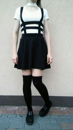 Alternative. Alternative outfit. Nu goth. Creepers. Black.