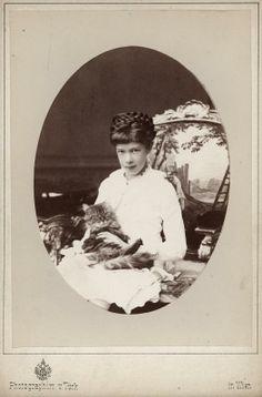 Archduchess Marie Valerie of Austria (1868 – 1924) - Photograph by Othmar Türk von Ramstein